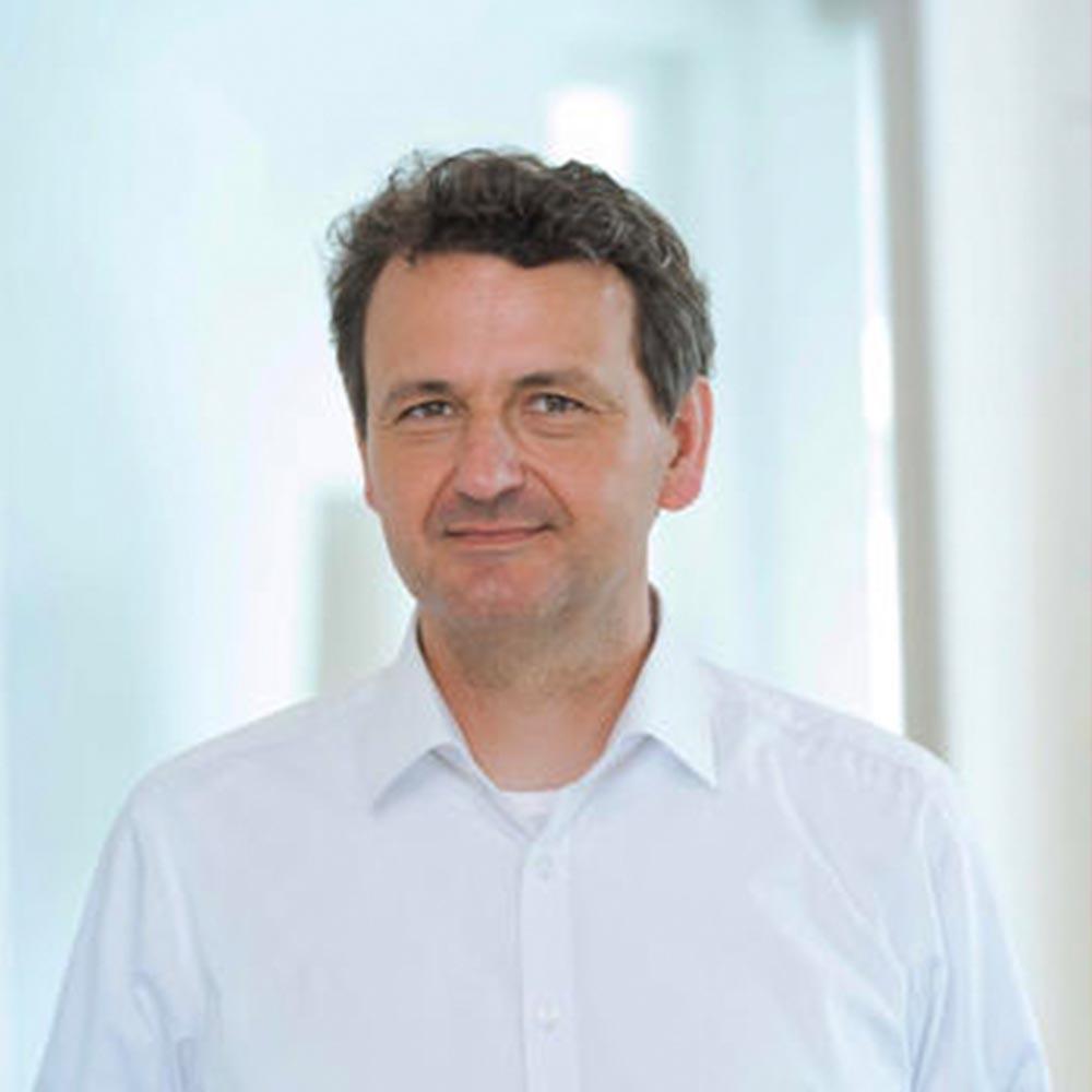 Prof. Dr. Christoph Neuberger <h4>Professor für Digitalisierung und Partizipation</h4>